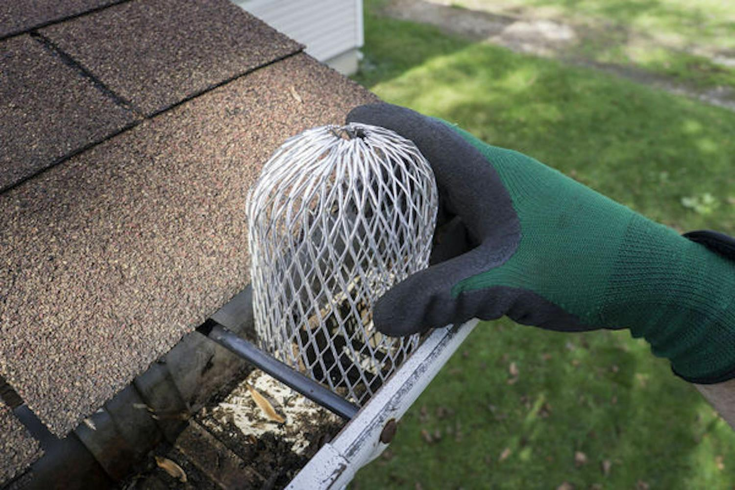 Gutter 3 Expand Downspouts Strainer.